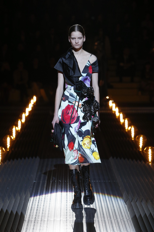 Outfit von Prada mit Rosen in 3D Druck. Herbst/Winger 2019